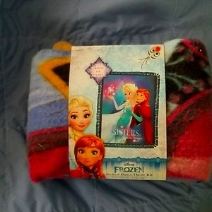 Frozen, Disney's  no sew fleece blanket. New